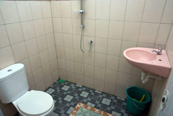 pangrango bathroom